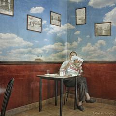 Viajar en tiempos de crisis (el silencio) Tags: chapeau themoulinrouge firstquality alarecherchedutempsperdu visiongroup masterpiecesoflightanddark —obramaestra—