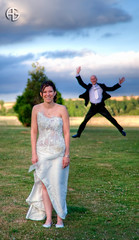 In the air (A.G. Photographe) Tags: wedding france happy nikon married marriage nikkor mariage franais hdr saut alliance anto d300 heureux xiii marie mari hdr1raw antoxiii
