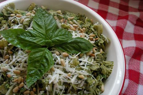 august basil bounty + labor day = amazing vegetarian pasta salad