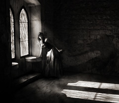 The Escapist (Nika Fadul) Tags: light shadow window dark escape princess castelo janela escapist mnicafadul nikafadul