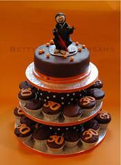 Inlinehockey (Bettys Sugar Dreams) Tags: cake 30 germany muffins hamburg birthdaycake torte cupcaketower geburtstagstorte inlinehockey bettinaschliephakeburchardt bettyssugardreams dekoriertmuffinsturm