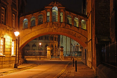 Quieter at night (Margaret Stranks) Tags: uk light night streetlamp oxford bridgeofsighs upcoming hertfordbridge newcollegelane upcoming:event=1250609 madeinoxford2009