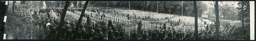 """Cérémonie du """"Memorial Day"""" au Cimetière Américain de Suresnes, le 30 Mai 1920 (LOC)"""