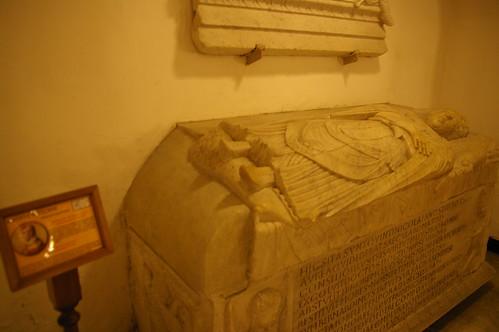 教宗的棺木 (不知道是否真的在裡面) 我猜是衣冠塚