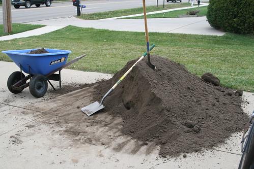 03  Better view of the wheelbarrow