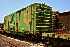 Chessie Boxcar In Storage (greenthumb_38) Tags: railroad train rust boxcar nelsonville chessie patina rollingstock postprocessing hockingvalleyscenicrailway hockingvalley deadrelativestour