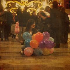 I am a dreamer (dun loves...) Tags: calle mujer globos mlaga larios lunares davinia dunita algodn silviatinoco