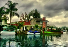 Lake Forest, CA (Mine Beyaz) Tags: california cloud house lake water clouds boat cloudy palm ev su orangecounty palmiye soe hdr gol lakeforest bulut tekne 5photosaday 35faves mywinners abigfave bulutlu platinumphoto superbmasterpiece excellentphotographerawards theunforgettablepictures theperfectphotographer goldstaraward minebeyaz