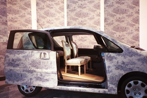 Camilla pics toile car in Paris