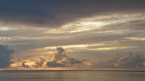 31.陽光從雲的間隙丧??下 (3)