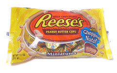 Reese's Minis Chopped Nuts Package