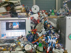 机の上、こんな感じ。