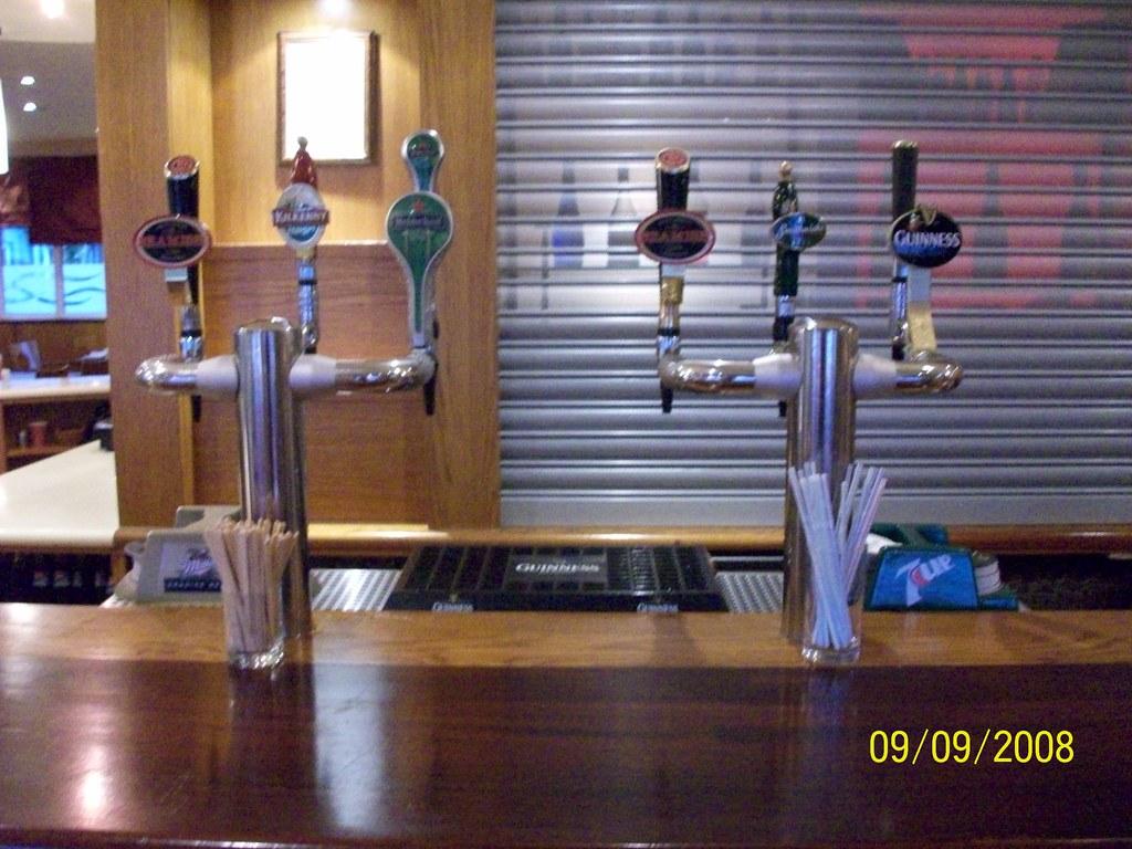 Ireland - Beer Taps (Jurys Inn Cork)