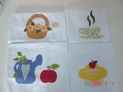 alguns panos de prato... (Renata ...) Tags: flores flor muffin xícara maçã regador