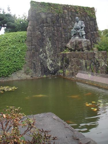 Jiro-cho statue