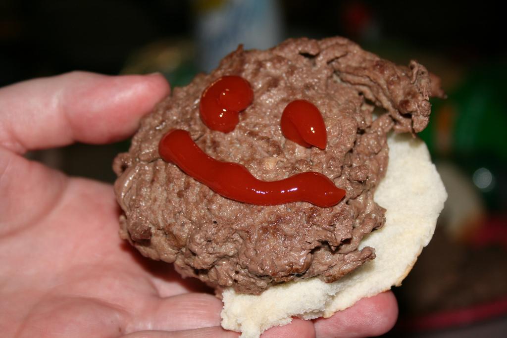 Sometimes A Hamburger Makes Me Smile - MI00066