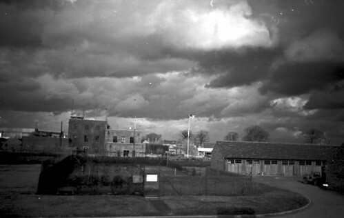 Views from room windows in mens 1 f3 5 200 w angle elman red filter brite 03