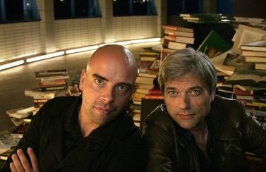 Jan Leyers en Leon Verdonschot presenteren vanaf zondag het literaire praatprogramma 'Iets met boeken'