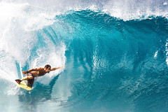 Reach (Kanaka Menehune) Tags: hawaii surf oahu surfer surfing northshore pipeline bodyboarder