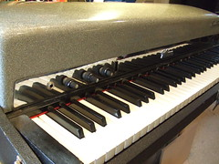 Fender Rhodes 1960's Silver Sparkle Top Piano (Vintage Vibe Electric Pianos) Tags: new york city nyc music classic electric shop vintage keys keyboard top stage piano sparkle fender chrome repair instrument jersey restoration custom rhodes vibe