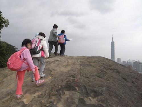 你拍攝的 30虎山稜線第二處砂岩。