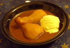 Tea-Poached Pears in Chocolate Sauce with Vanilla Ice Cream (Food Pon) Tags: food ice vegan essen tea sauce chocolate cream pear vanilla eis tee schokolade birne vanille schwarzer veganomicon
