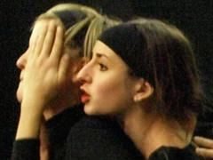 Electra  6762c (Lieven SOETE) Tags: brussels woman art greek donna mujer theater theatre femme performance young dramatic bruxelles tragedy frau 2008 electra junge joven jeune molenbeek sophocles  giovane kleineacademie  lievensoete