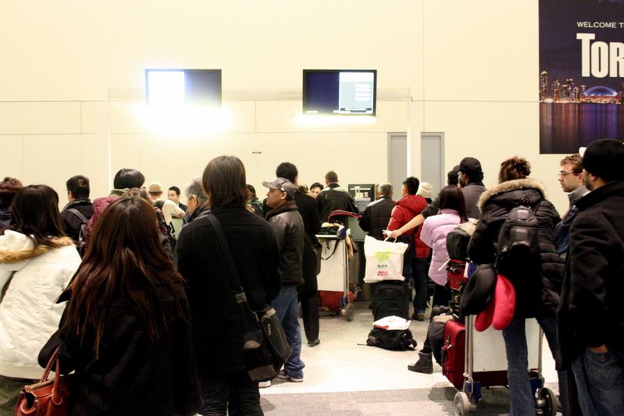 Baggage claim corner