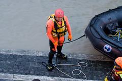rescue operation 2 (CONTROTONO) Tags: man male flooding helmet tevere worker wetsuit muta divesuit controtono dinghyboat