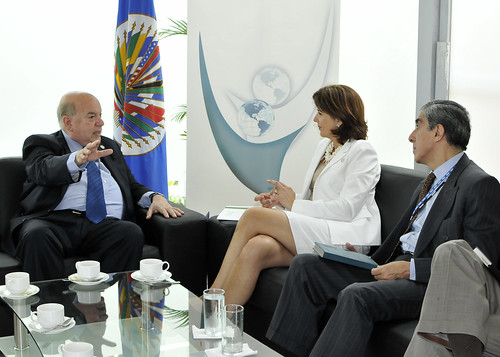 Secretary General meets with Foreign Minister of Colombia