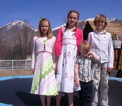 kids on Easter 08