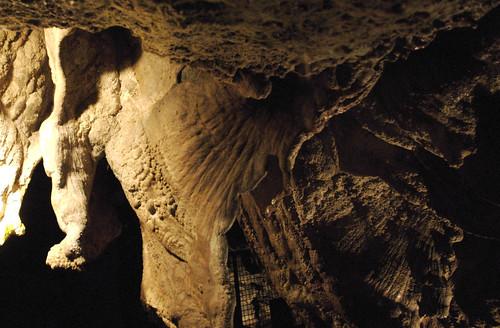 Dan-Yr-Ogof's Caves 02.jpg