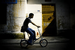 Hutong bike (morf*) Tags: shadow bike bicycle yellow flickr plaster jeans chrome hutong guangzhouchina