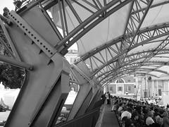 Particolare tettoia in acciaio