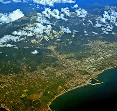 Carrara and Marble Quarries (Tuscany) (giovanni paccaloni) Tags: sea italy water az alitalia aerials airviews tirreniansea flightromefcomilanlin