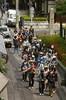 Ens porten d'excursió / On school trip (SBA73) Tags: street trip school people boys japan japanese calle kyoto group niños grupo escuela nippon gion guide escola kioto gent carrer nihon humans japoneses japó excursion excursió gruppe nens guia japón grup japonesos
