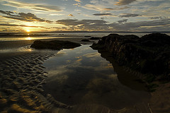 Nairn Sunset (darren_caf) Tags: uk sunset sea sky beach water reflections scotland unitedkingdom sony alpha a100 nairn morayfirth