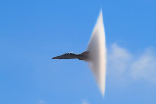 Fighter Airplane picture - F-18 Super Hornet Vapor Cone - Prandtl-Glauert Singularity