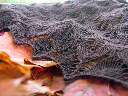 detail of triangle shawl
