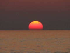 Insert Coin (Conanil) Tags: italien sunset pordosol sea italy sun mer sol cores soleil mar zonsondergang meer italia tramonto mare colours sonnenuntergang couleurs horizon color