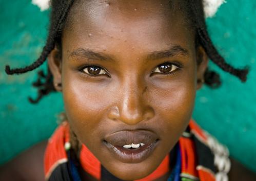 Miss Toro, a (very nice) Hamar girl Ethiopia