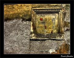 Un Quadrato nel Muro (Davide Cherubini) Tags: muro wall square quadrato cherubini 25faves dcherubini davidecherubini novavitanewlife