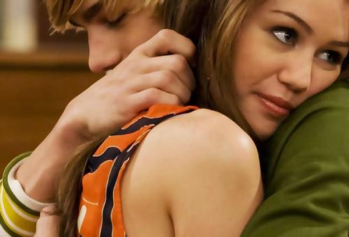 Miley Cyrus e Cody Linley por KOOLPICS2.