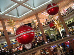 big balls (_melika_) Tags: christmas family christmastree fashionisland ornaments orangecounty newportbeachca christmas2008
