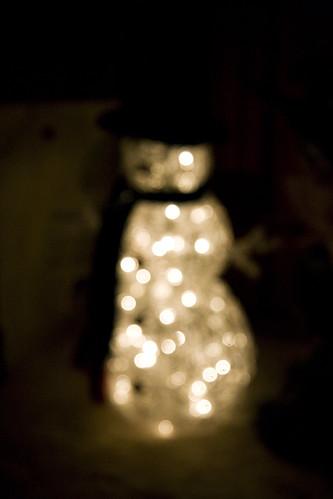 Blurry Snowman (by Pyrodogg)