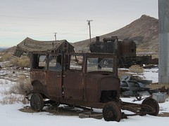 Goldfield 0592a (DB's travels) Tags: winter cars abandoned nevada goldfield december08 konomark tempswnv