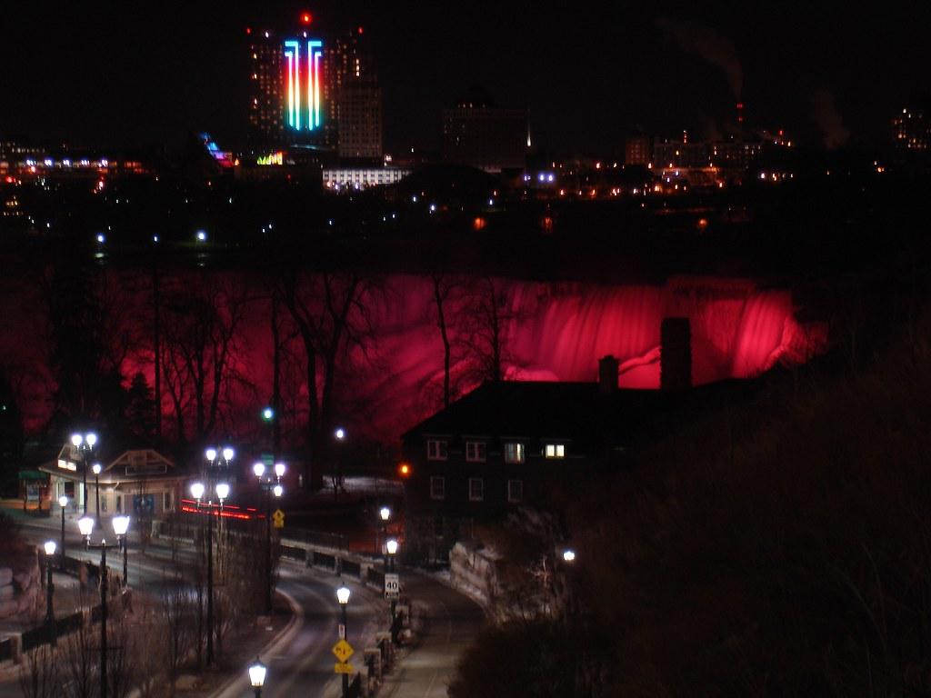 Niagara Falls With Chuck 080i