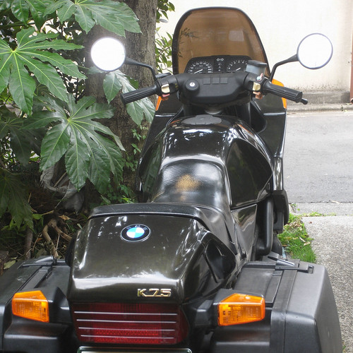 BMW K75 backshot