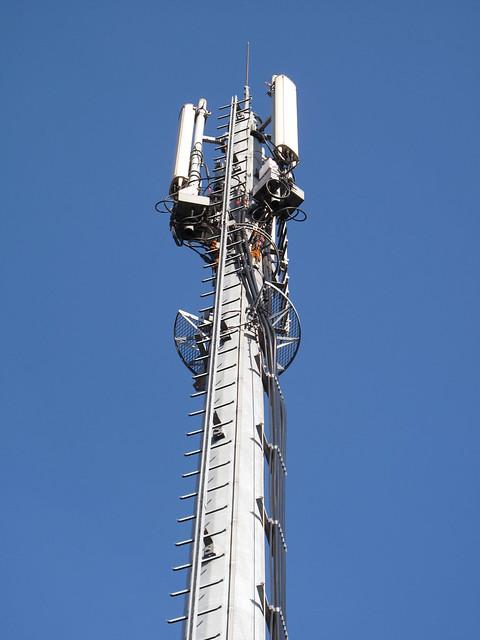 Antenne relais GSM  à Paris