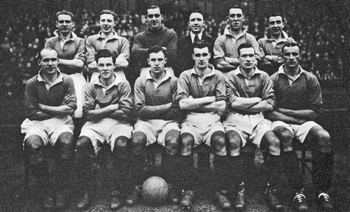 Manchester United 1946-47 team photograph (2)